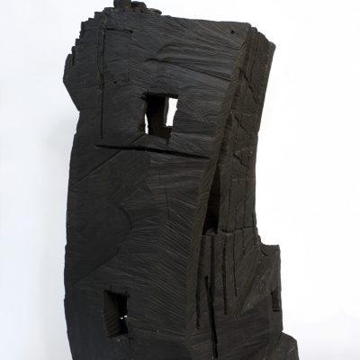 """""""Babylonischer Turm"""", Eiche und Acrylfarbe , 52x 71x 120 cm, 2003"""