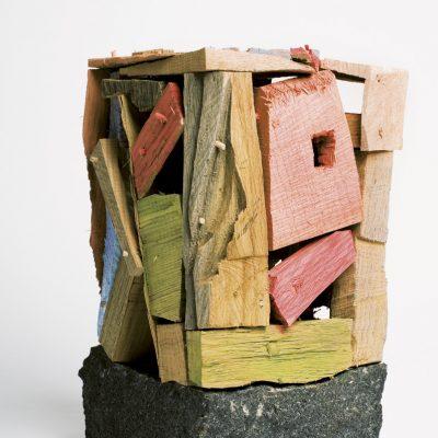 """""""Schwarzer Stein"""", verschiedene Hölzer, Granit, Acryl, 20x 18x 35 cm, 2008"""