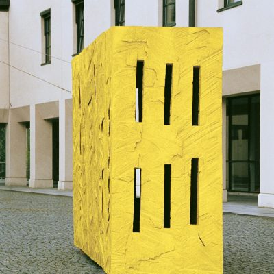 """Yellow Box"", Linde und Acryl, 295x 190x 90 cm, 1998"